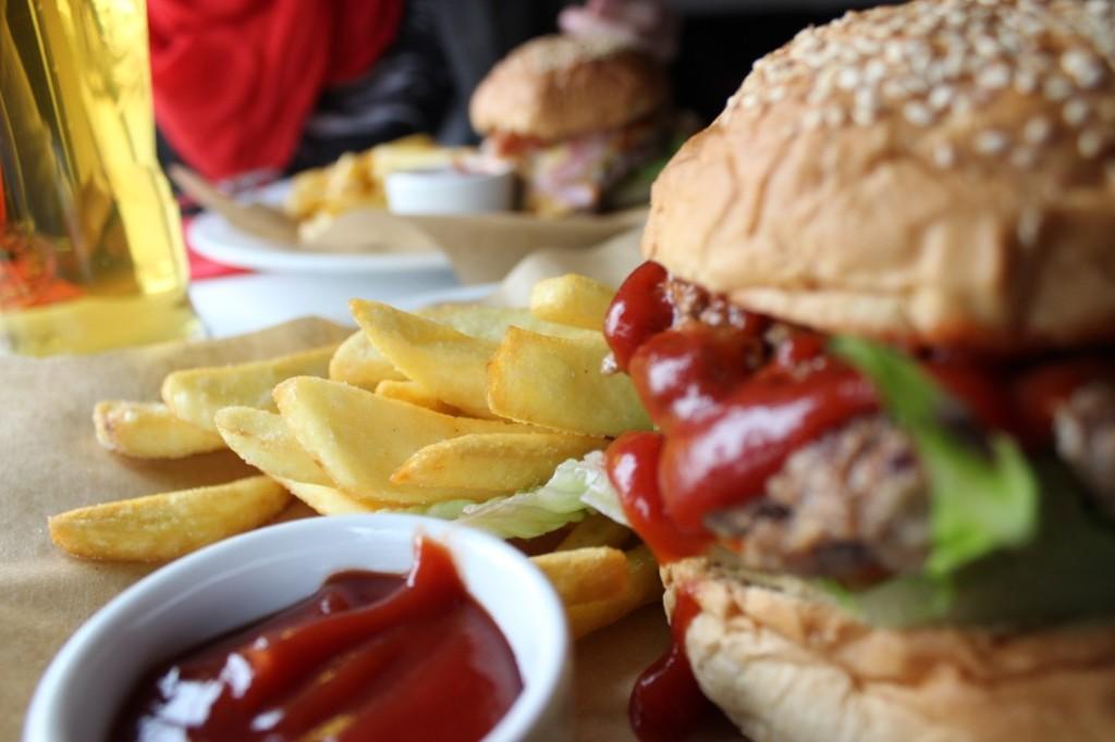 Burger i frytki - Trafik Gdynia
